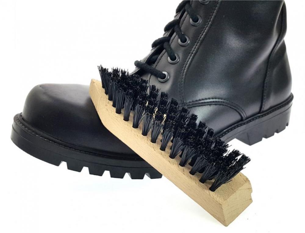 53748ec91e9 Kartac na cisteni obuvi maly levně