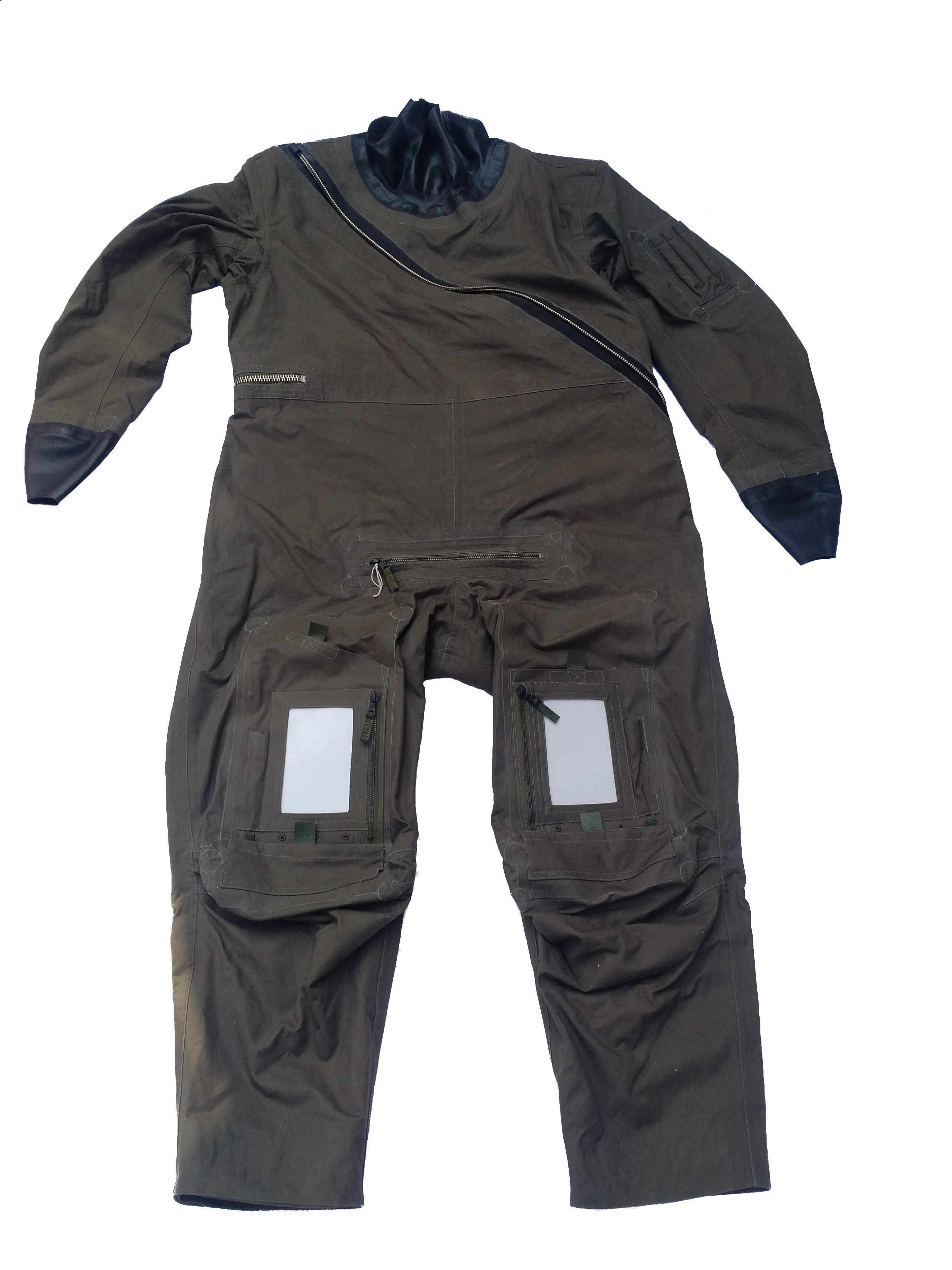 ARMÁDNÍ ORIGINÁL UK VELKÁ BRITÁNIE Pilotský suchý oblek RAF MK10 pro přežití (záchranná nepromokavá kombinéza) Beaufort Velká Británie Velikost: 9