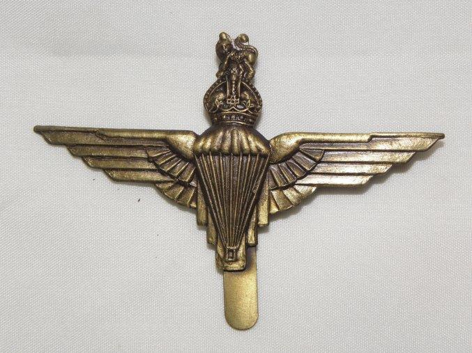 Odznak britských výsadkářů na baret .