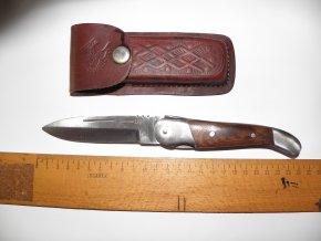 Nůž s dřevěnou střenkou  US