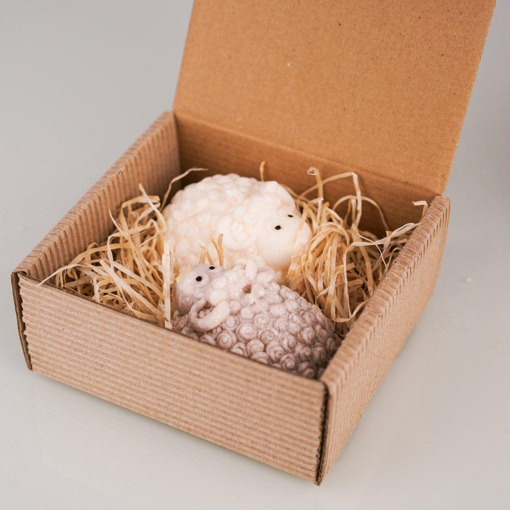 Přírodní vonná svíčka palmová - AROMKA - Velikonoční Beránci v dárkové  krabičce, bílý a hnědy - Černý Hrozen