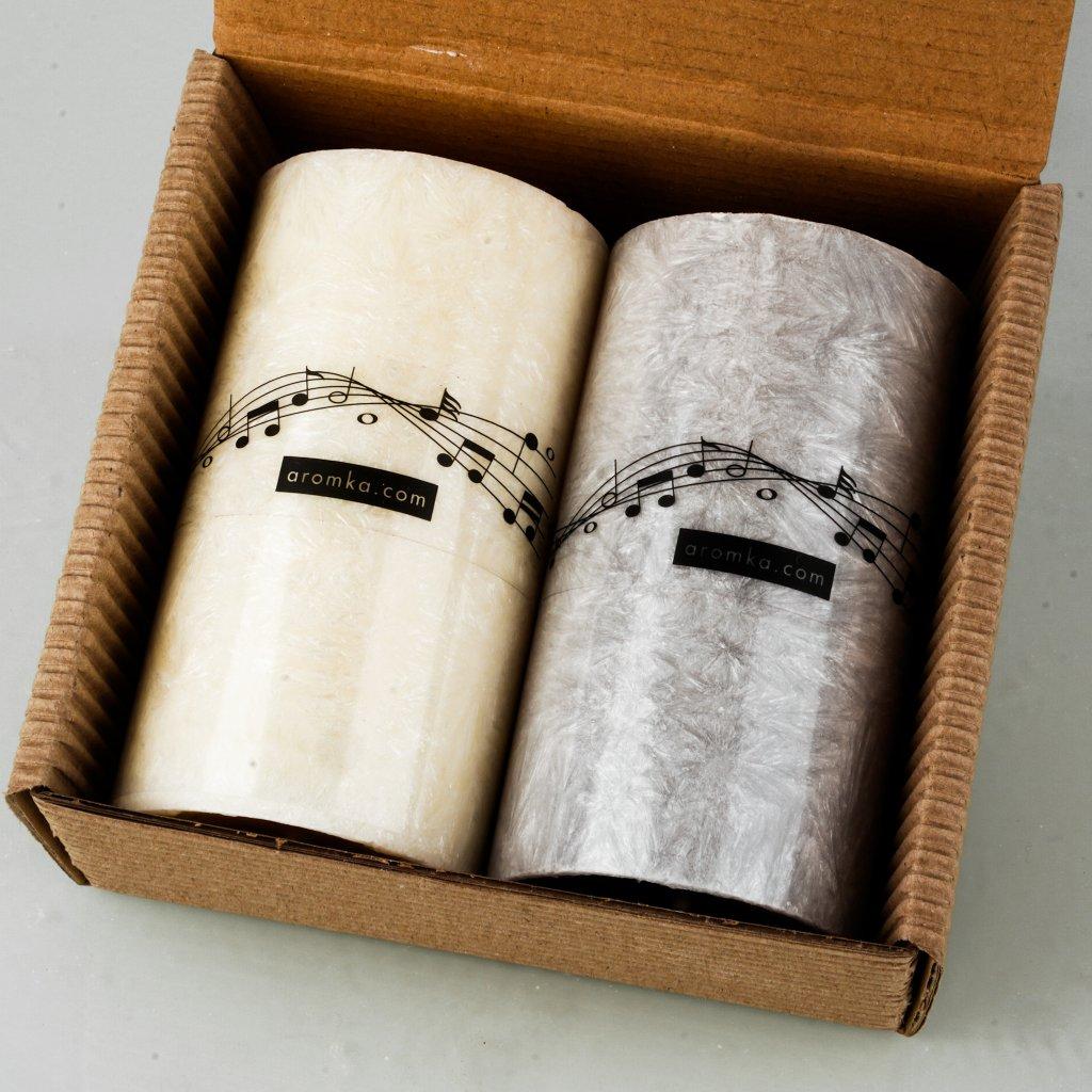 Přírodní vonná svíčka palmová - AROMKA - Sada 2 válečků se vzorem not v dárkovém balení - Květ bavlny, Pánský Parfém