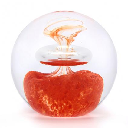 Skleněné těžítko koule, dekor 03, červená