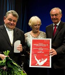 Der tschechische Kardinal Dominik Duka und Präsident des Senats