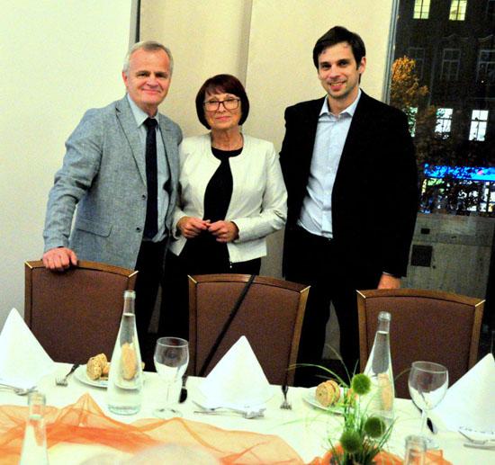 Rodina Machálkova. Jan Machálek se svou manželkou a synem.