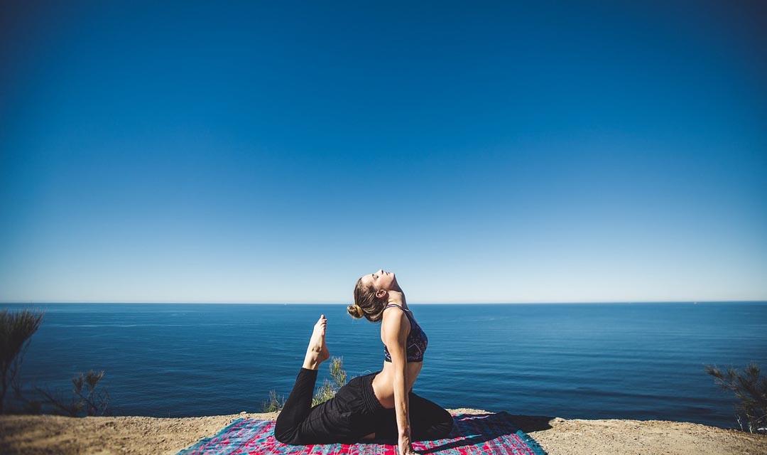 Jak přizpůsobit svoji jógovou praxi v létě