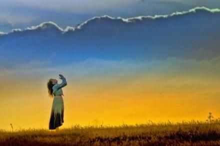 Magické účinky Pozdravu slunci - Surja namaskara