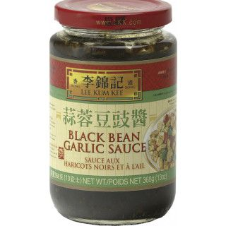 Lee Kum Kee Omáčka z černých fazolí a česneku 368 g