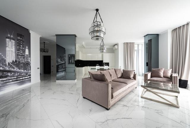 Extravagantná podlaha: Ako ju nakombinovať do miestnosti?