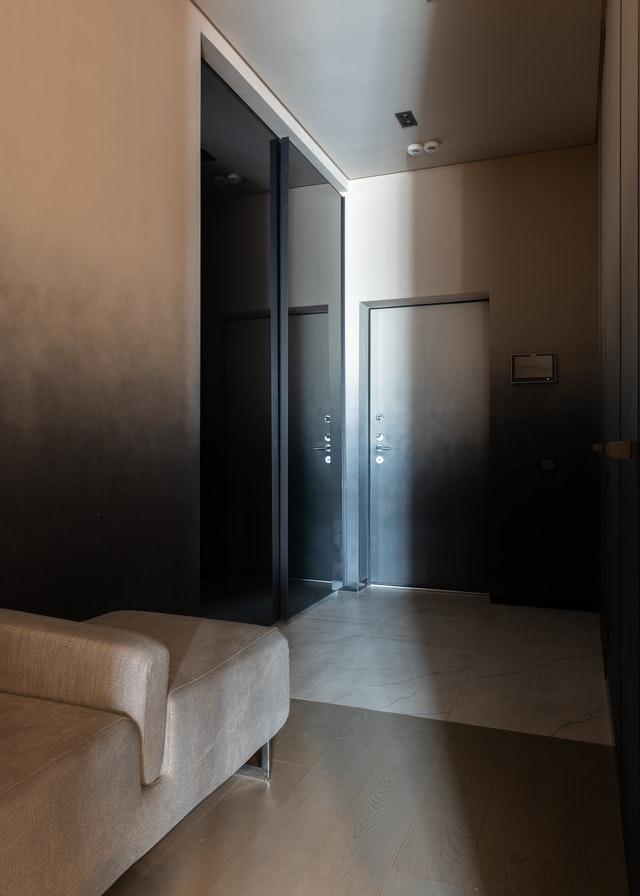 Ako si správne vybrať orientáciu klasických jednokrídlových a dvojkrídlových dverí?