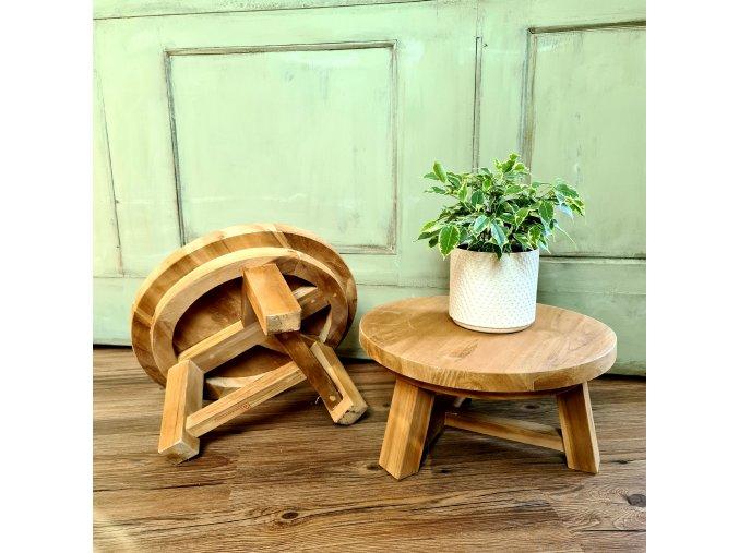 Teaková stolička