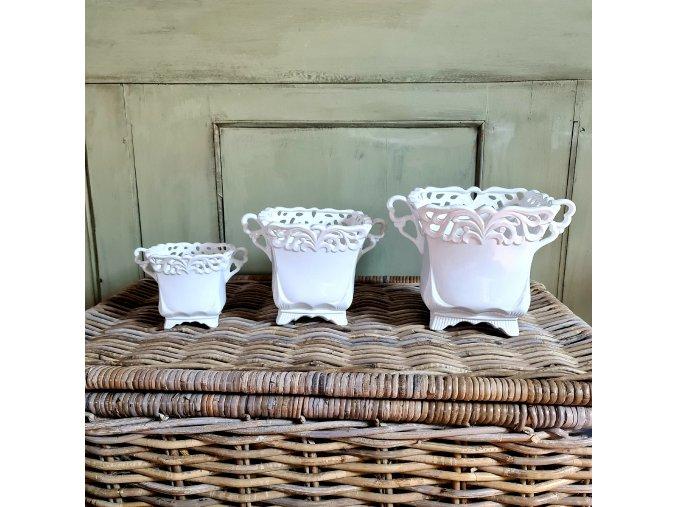 porcelánový květináč s uchy
