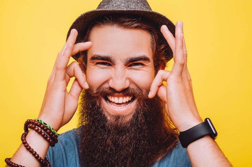 7 vyzkoušených tipů, jak urychlit a podpořit růst vousů