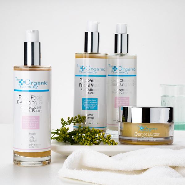 the-organic-pharmacy-pepperming-facial-wash-5060063490465-AURIO_2-600x600