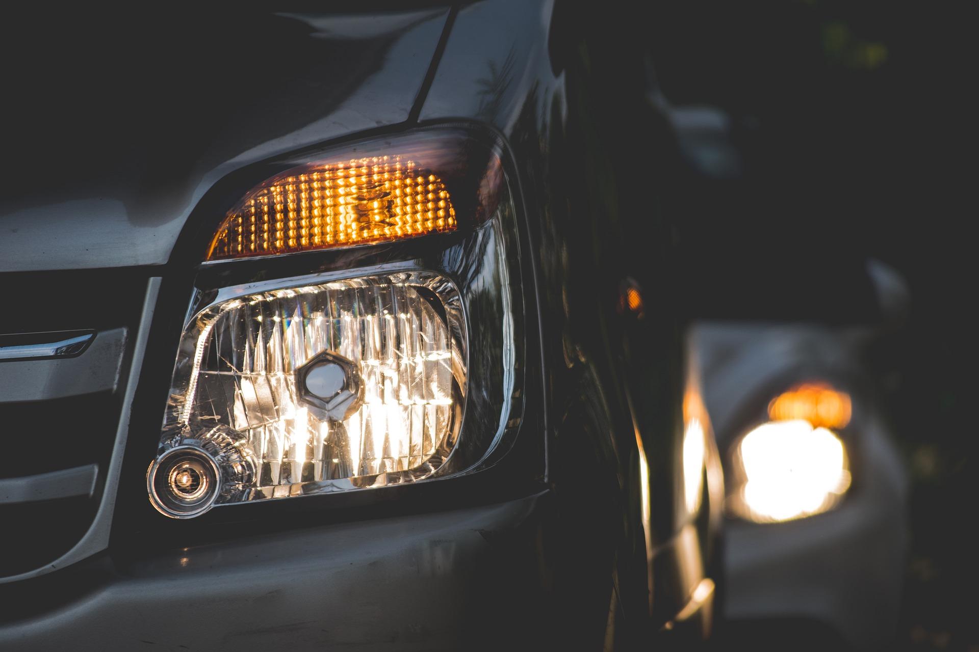 Jaké jsou největší rozdíly mezi halogenovými žárovkami a LED žárovkami?