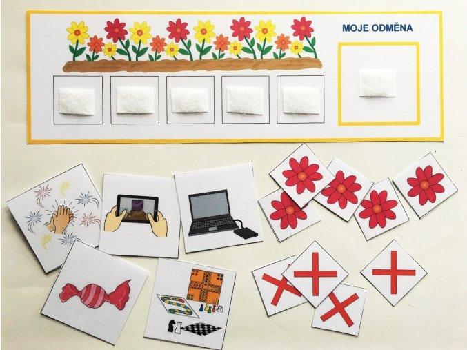 Motivační tabulka s žetony, květiny
