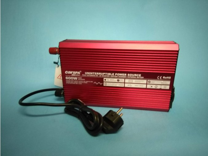 Měnič napětí s nabíječkou 12V DC na 230V AC 600W