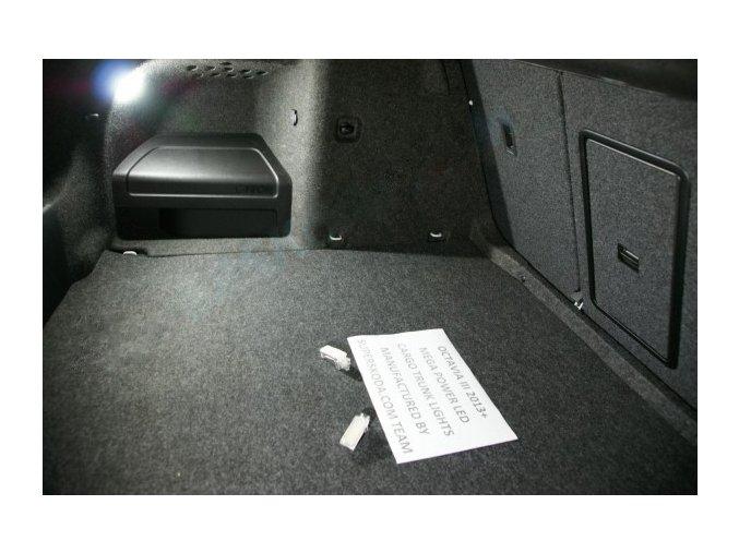 Škoda Superb III - LED osvětlení kufru