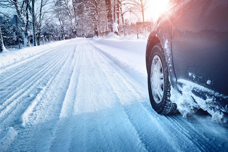 """Je opravdu třeba """"přezout"""" zimní pneu za letní"""