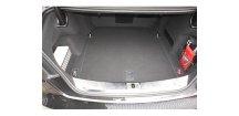 Vana do kufru Audi A8 2013-2017 Sedan dolní kufr • protiskluzová
