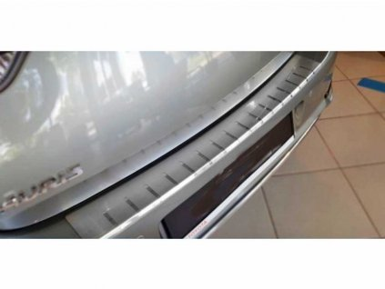 Kryt prahu pátých dveří Toyota Auris FL 2016-2019 Hatchback • nerez