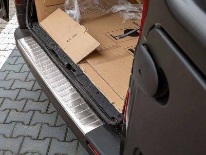 Kryt prahu pátých dveří Opel Vivaro B 2014-2018 • nerez • ADO Pro