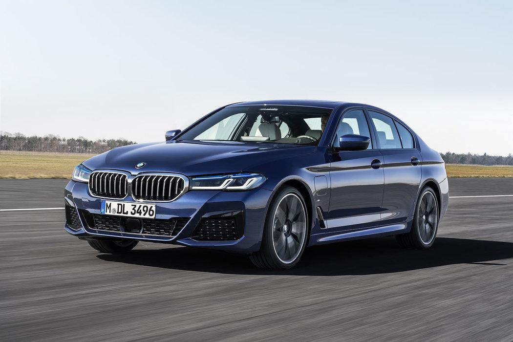 BMW ŘADY 5 SEDAN / KOMBI - novinka 2020
