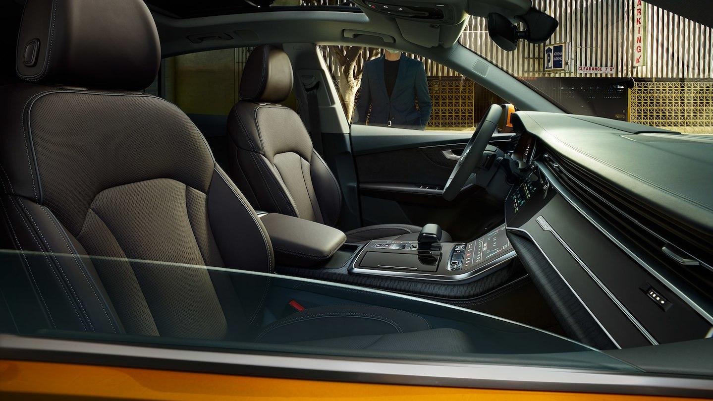 Luxusní prémiové sportovní AUDI Q8 - novinka 2020