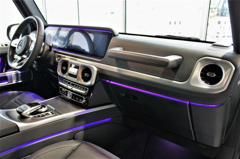 Mercedes G 350d AMG - předváděcí luxusní SUV skladem - online autosalon prémiových aut AUTOiBUY.com Praha, Brno, Plzeň, Hradec Králové, Ostrava, Liberec