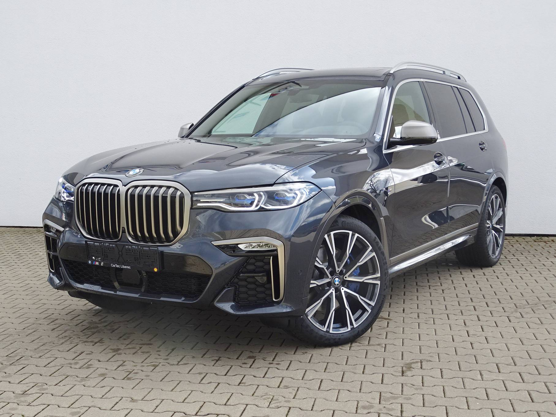 BMW X7 M50d - nové auto skladem - maximální výbava - nákup online