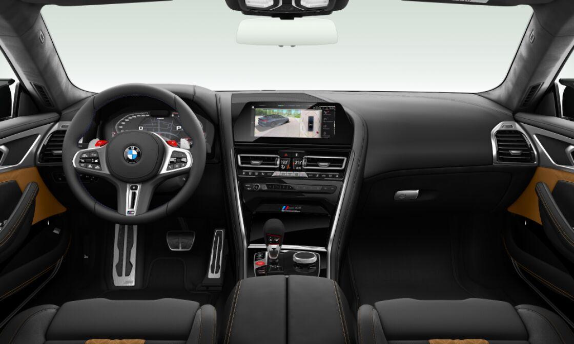 BMW M8 GRAN COUPÉ - černá metalíza sapphire