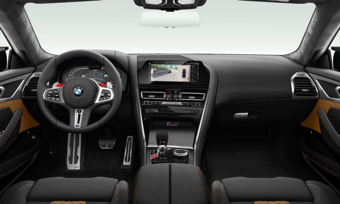 BMW M8 GRAN COUPÉ - šedá metalíza brands hatch