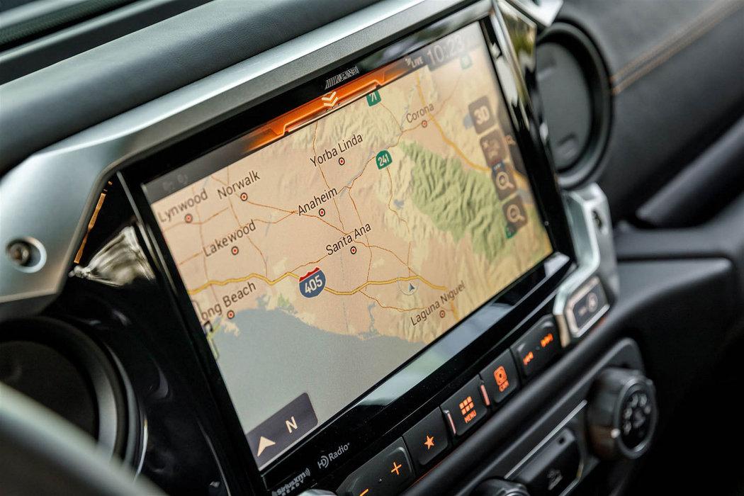 Rezvani 6x6 - novinka, monstrózní pick-up, předobjednávky online, autoibuy