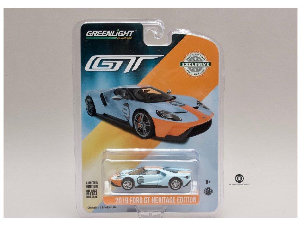 Ford GT 2017 #6 Gulf Racing 1 64 Greenlight 29909 01