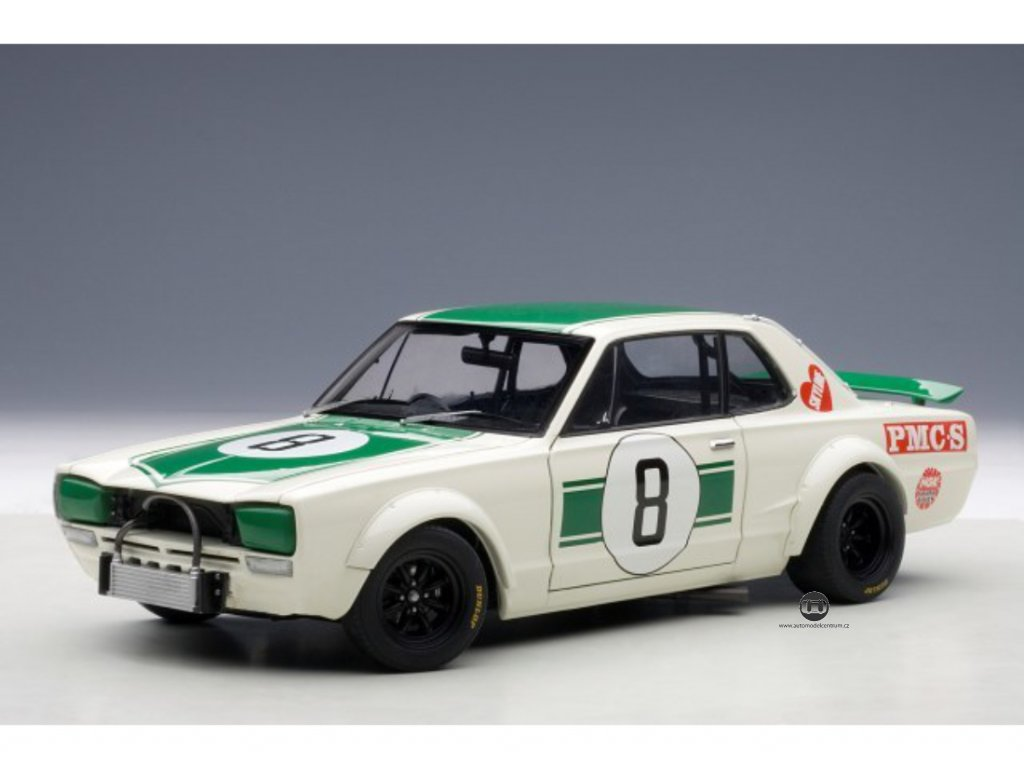 Nissan Skyline GT R KPGC10 Racing 1971 #8 Japan GP 2en Place 1 18 Auto Art 87177 01