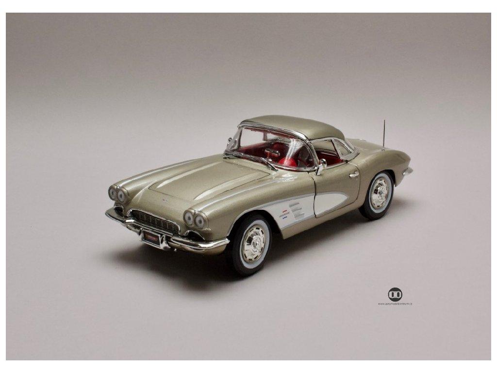 Chevrolet Corvette 1961 zlatá bílá 1 18 Auto World AMM1151 01