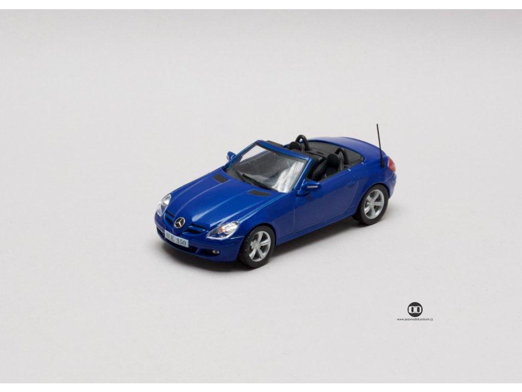 Mercedes-Benz 350 SLK 2004 modrá 1:43 Champion