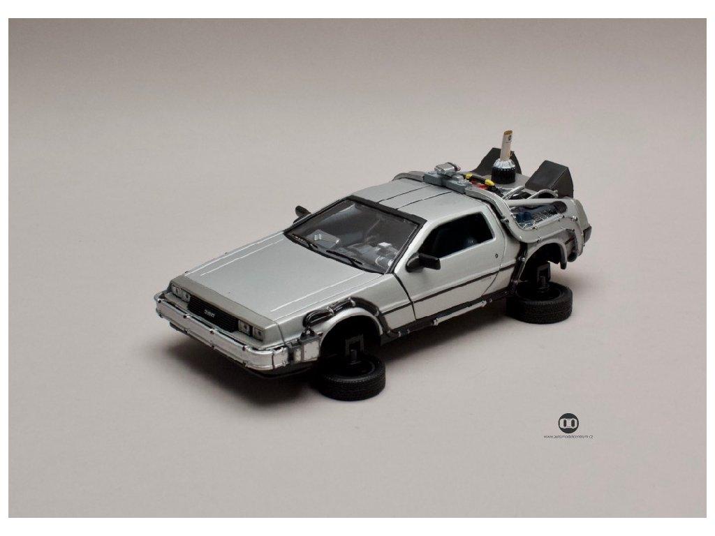 De Lorean 1983 Back To The Future II verze létající 1 24 Welly 22441 01