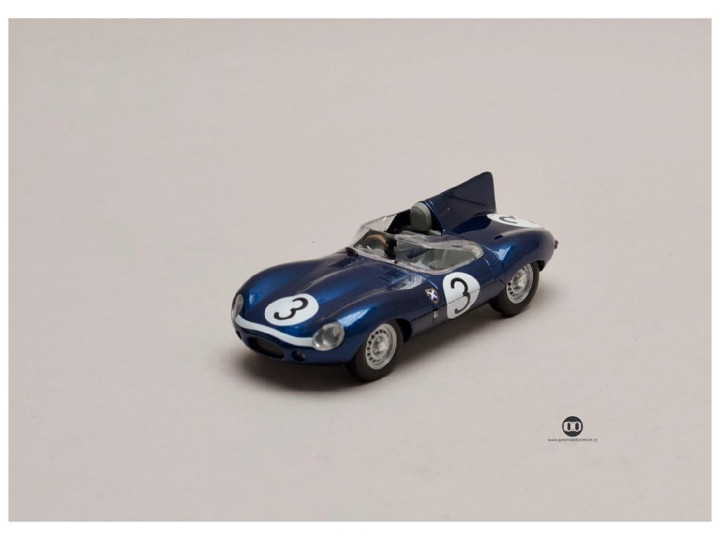 Jaguár D type #3 modrá vítěz 24h Le Mans 1957 1 43 Atlas 01