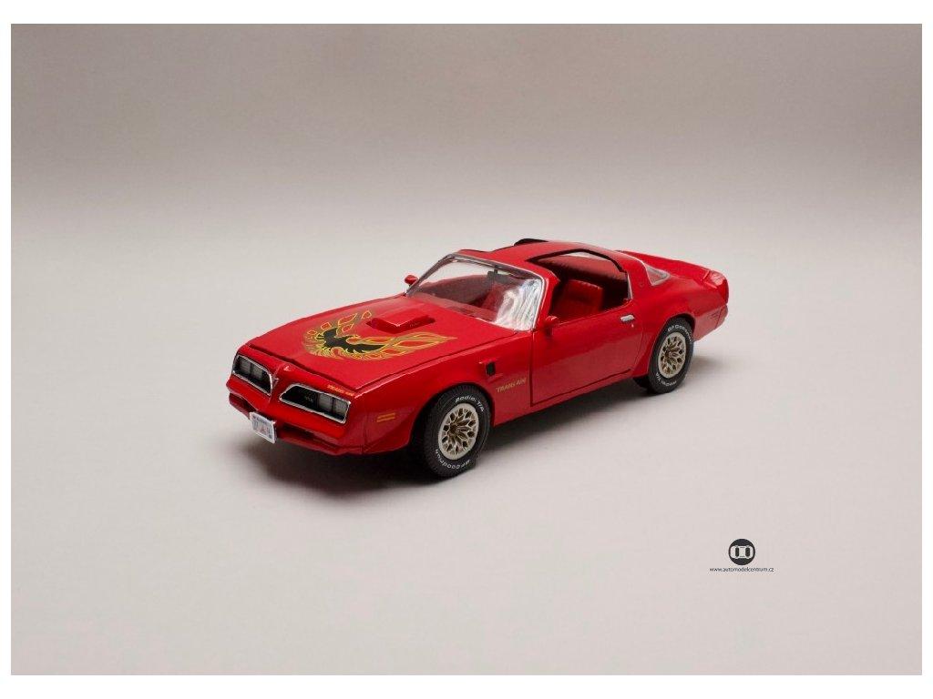 Pontiac Firebird Trans Am 1977 červená 1 18 Auto World AMM 1160 02