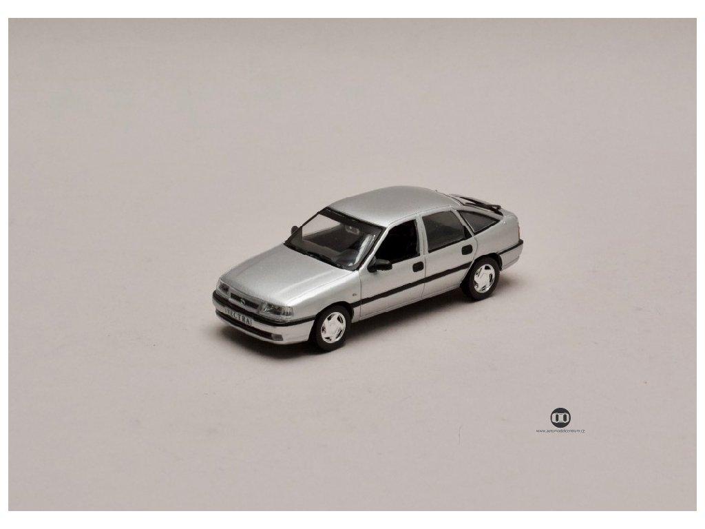 Opel Vectra A Gsi Facelift Wayne Cherry stříbrná 1 43 Champion 01