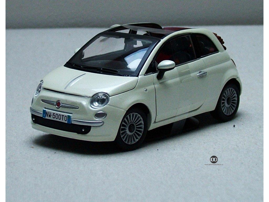 Fiat 500 Nuova Cabrio bílá 1:24 Mondo Motors