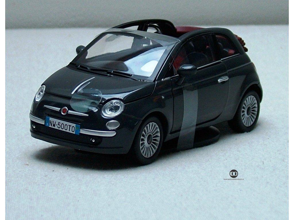 Fiat 500 Nuova Cabrio tm. zelená 1:24 Mondo Motors