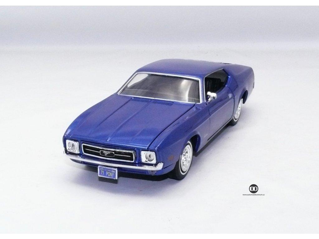 Ford Mustang Sportsroof 1971 modrá 1:24 Motor Max