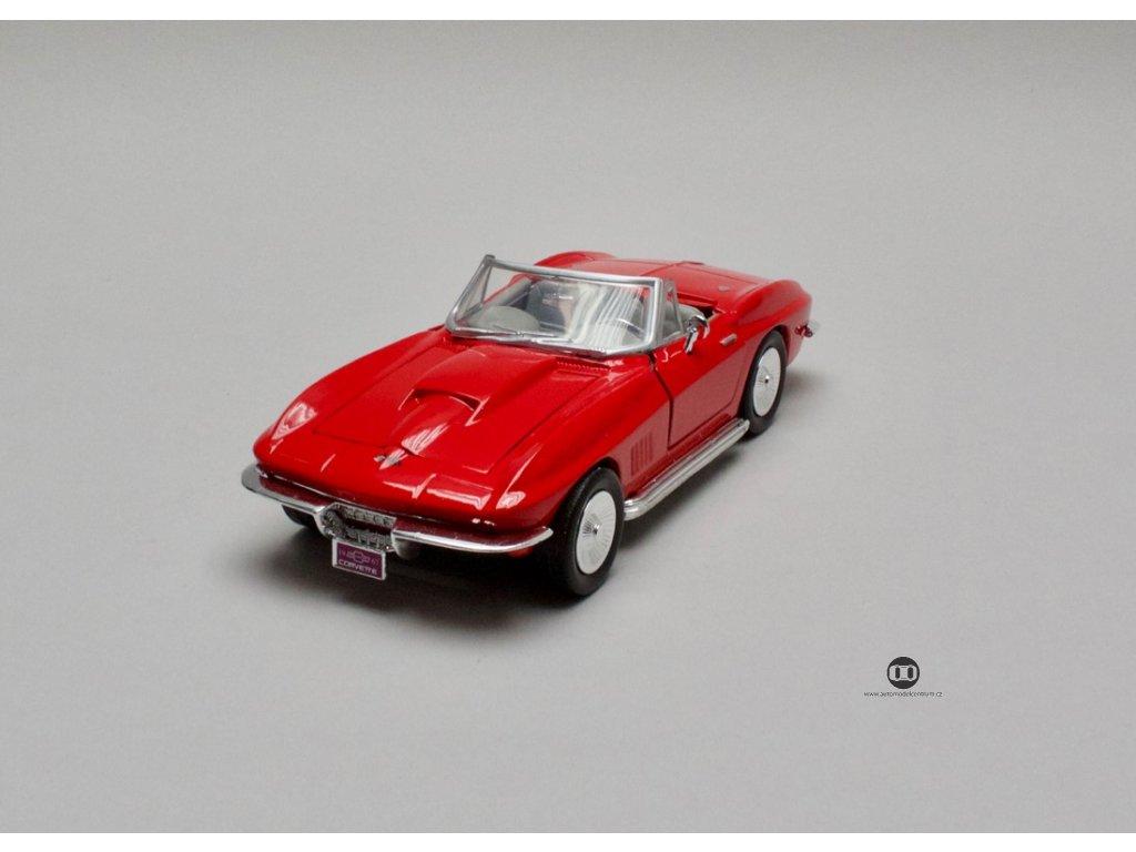 Chevrolet Corvette 1967 červená 1:24 Motor Max