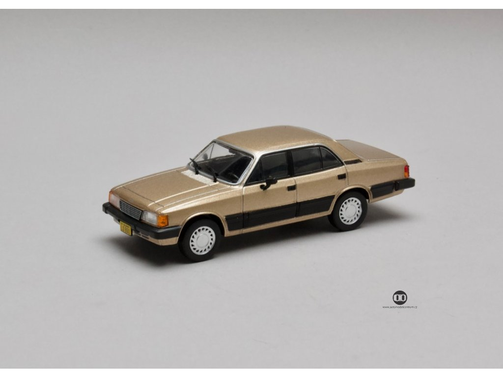 Chevrolet Opala Diplomata 4.1 1988 béžová 1:43 Champion