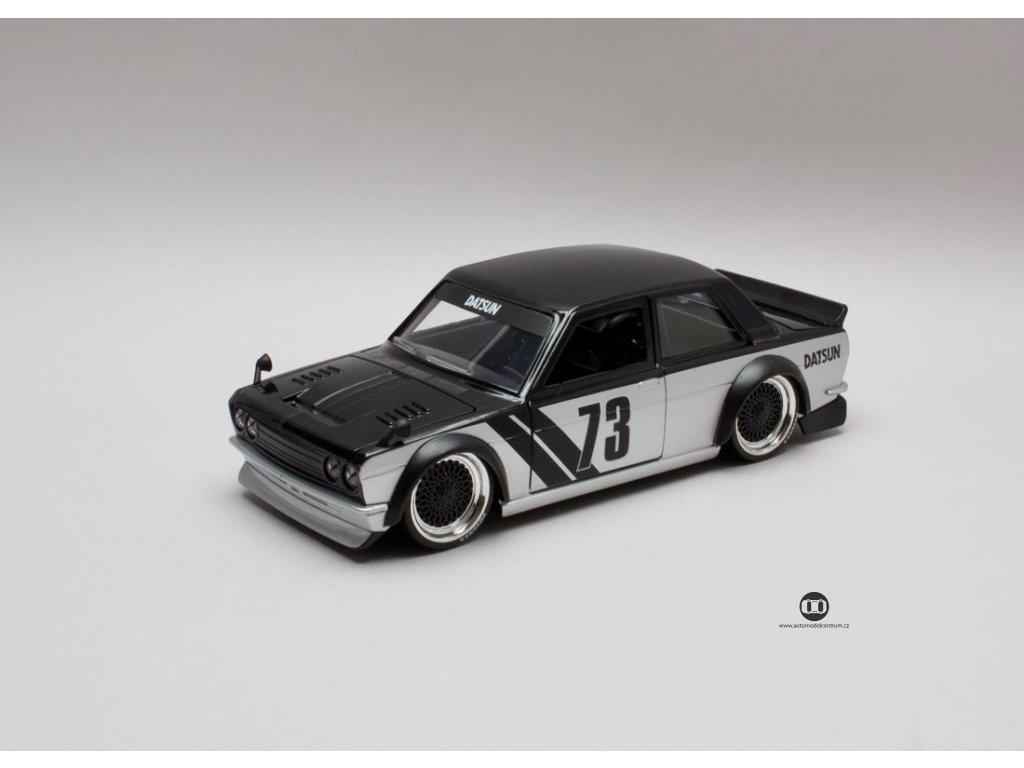 Datsun 510 1973 #73 Widebody černo-stříbrná 1:24 Jada Toys