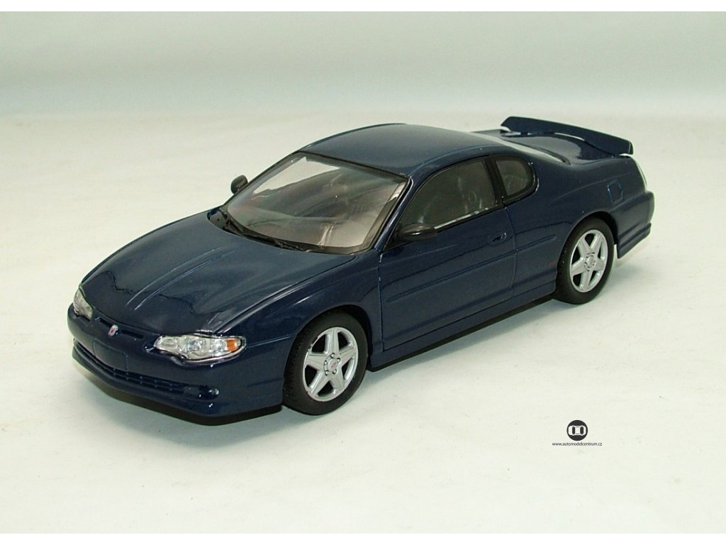 Chevrolet Monte Carlo SS 2004 modrá 1:24 Welly