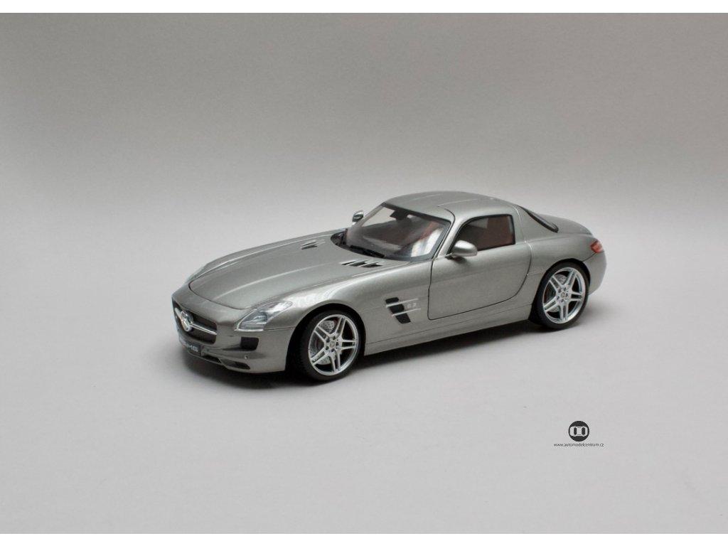 Mercedes Benz SLK AMG stříbrná 1:18 Mondo Motors