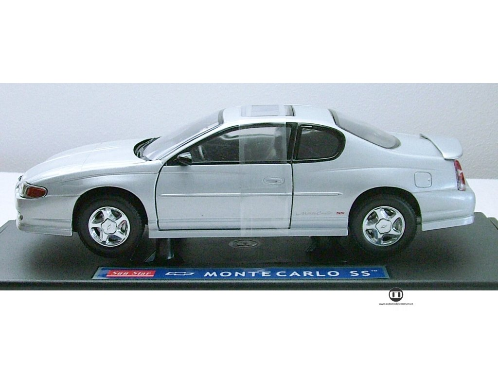 Chevrolet Monte Carlo 2000 stříbrná1:18 Sun Star